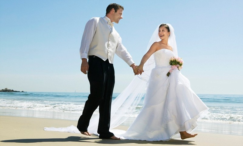 Honeymoon to the major tourist destinations in western europe for New england honeymoon packages